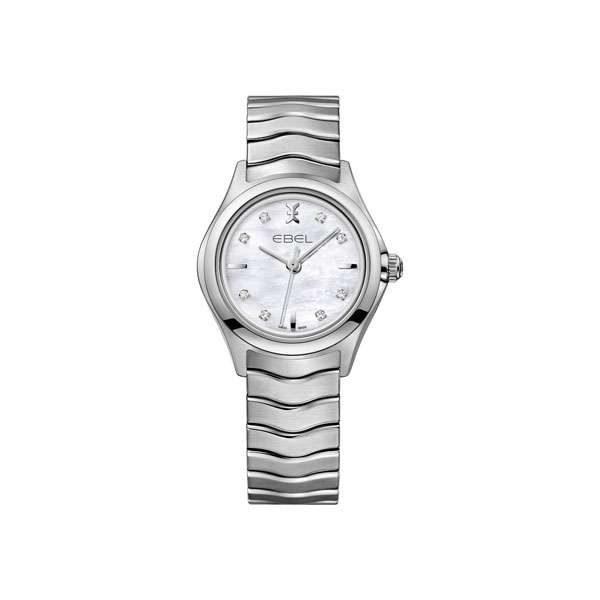 Dames horloge uit de Ebel Wave collection - uitgevoerd met een stalen band en kast en voorzien van een parelmoer wijzerplaat - dit model heeft een quartz uurwerk - De Ebel collectie is verkrijgbaar bij Sparnaaij Juweliers in Aalsmeer