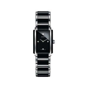 Dames horloge uit de Rado Integral collection - uitgevoerd uit zwart keramiek en staal in zowel kast als band - de wijzerplaat is voorzien van 4 diamanten - De Rado collectie is verkrijgbaar bij Sparnaaij Juweliers in Aalsmeer
