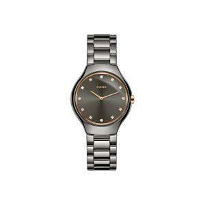 Dames horloge uit de Rado True Thinline collection - geheel gemaakt van Plasma Keramiek - uitgevoerd met een grijze wijzerplaat met diamant - De Rado collectie is verkrijgbaar bij Sparnaaij juweliers in Aalsmeer