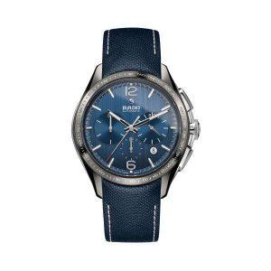 Heren horloge uit de Rado Hyperchrome collection - uitgevoerd met een kast van Plasma- Ceramic - een chronograph en een lederen band - De Rado collectie is verkrijgbaar bij Sparnaaij juweliers in Aalsmeer