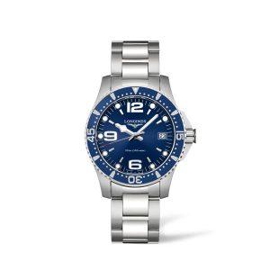 Dames horloge uit de HydroConquest collection - uitgevoerd met stalen band en kast en blauwe wijzerplaat - De Longines collectie is verkrijgbaar bij Sparnaaij Juweliers in Aalsmeer