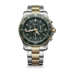 Heren horloge uit de Victorinox Maverick collection - uitgevoerd met een biciolour band en een groene wijzerplaat en lunette - voorzien van een quartz uurwerk met een chronograph functie - De Victorinox collectie is verkrijgbaar bij Sparnaaij Juweliers in Aalsmeer
