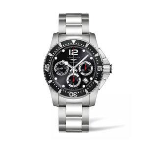 Heren horloge uit de Longines HydroConquest Automatic collection - uitgevoerd met een stalen kast en band en een zwarte lunette - voorzien van een automatisch uurwerk en saffier glas - De Longines collectie is verkrijgbaar bij Sparnaaij Juweliers in Aalsmeer