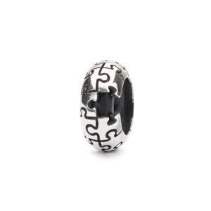 Trollbeads moederdag special - Stopper met de naam puzzel - Te koop bij Sparnaaij juweliers in Hoofddorp
