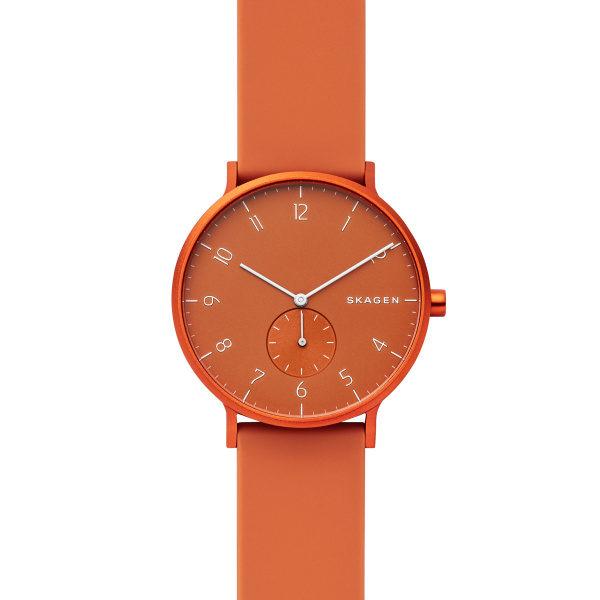 Skagen horloge met oranje siliconen band en aluminium oranje wijzerplaat - Te koop bij Sparnaaij Juweliers in Hoofddorp en Aalsmeer