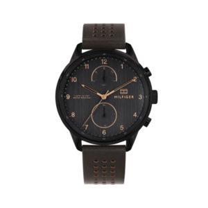 Tommy Hilfiger herenhorloge - Horloge met bruin leren band en zwarte wijzerplaat met goudkleurige details- Te koop bij Sparnaaij Juweliers in Aalsmeer