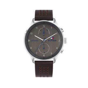 Tommy Hilfiger herenhorloge - Horloge met bruin leren band en bruine wijzerplaat met zilverkleurige details- Te koop bij Sparnaaij Juweliers in Aalsmeer